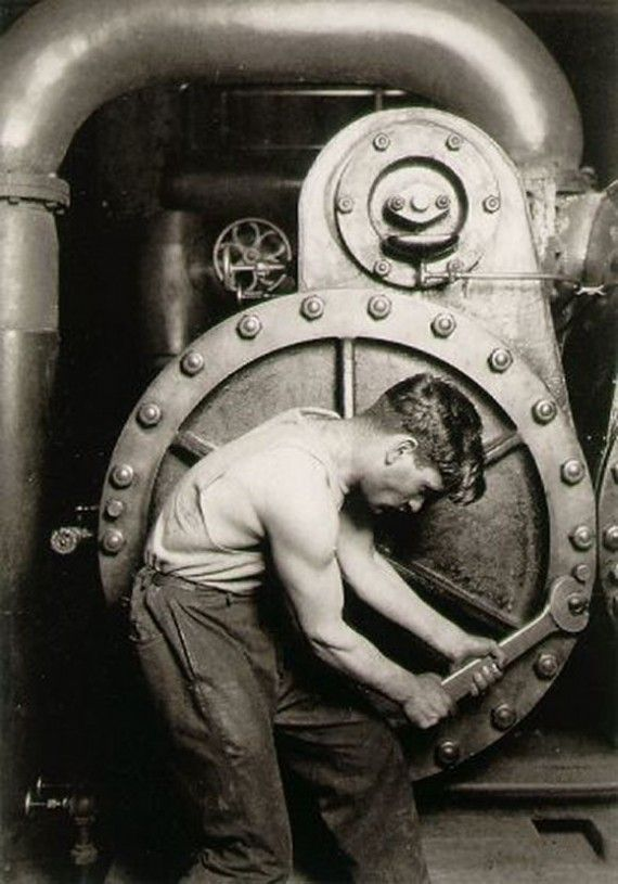 Hine,Lewis-Powerhouse_Mechanic-1920