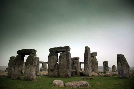 Tourists Flock To Stonehenge
